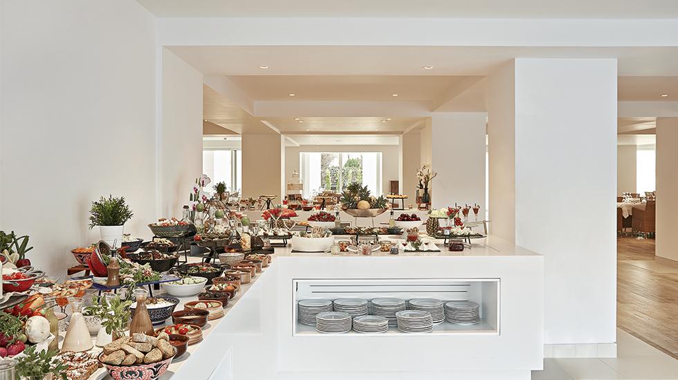 Extensive buffet