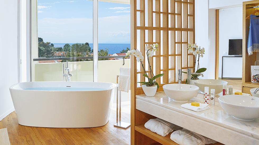 Junior Suite Open Plan Bath