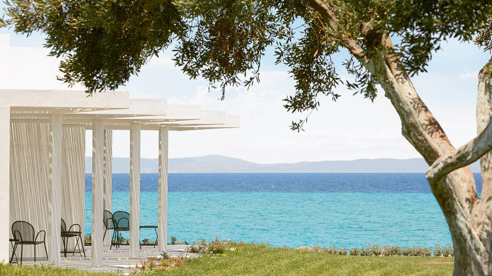 Directly on a long quiet children friendly sandy pebble on the beautiful Kassandra peninsula.