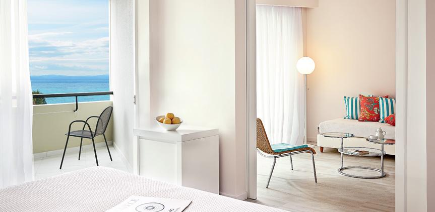 04-pella-beach-suite-side-sea-view-accommodation